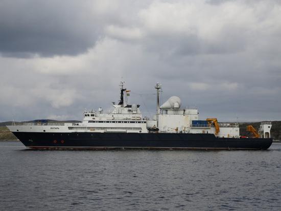 СМИ: ВМФ России может оставить США без связи с миром