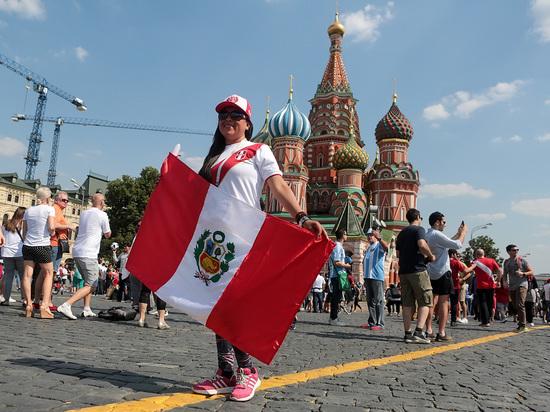 Иностранные болельщики в восторге от Москвы: «Остались бы здесь жить»