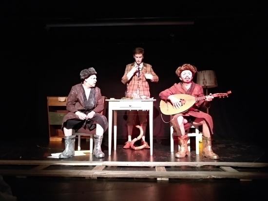 Эмигрантский театр ставит «Старуху» Хармса: обошлось без прорухи