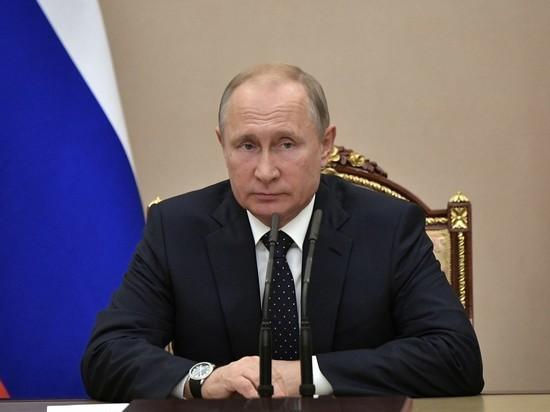 Половина россиян высказались за третий срок Путина подряд: уровень поддержки снижается