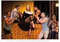 Экс-сожитель Ксении Собчак судится с художником из-за интимного календаря