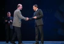 C днем медика! Губернатор Евгений Куйвашев и министр Андрей Цветков поздравили медработников и ветеранов отрасли