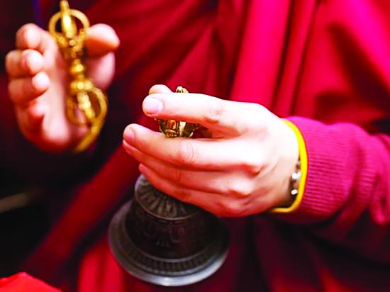 """В Бурятии парикмахеры обвинили буддийский гороскоп """"Зурхай"""" в снижении доходов"""