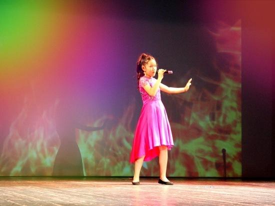 Евгения Нурова из Калмыкии выиграла 50 тыс. рублей благодаря своему таланту