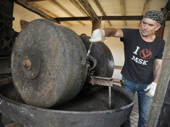 Маслобойка под Воронежем, изготовленная в ХIХ веке, и сегодня умасливает туристов