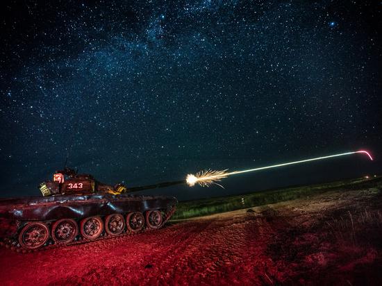 Танковый биатлон... Это нечто среднее между мегаспортом и военными маневрами