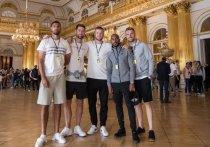 Игроки сборной Англии посетили Эрмитаж