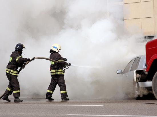 Два человека сгорели заживо при столкновении пяти автомобилей в Москве