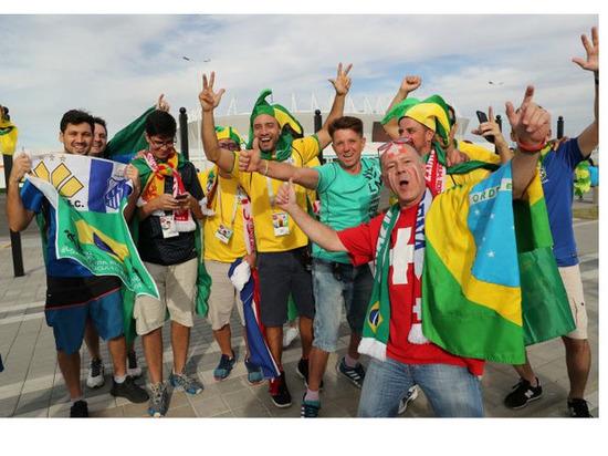 Болельщики Бразилии передали привет Астрахани на ЧМ-2018