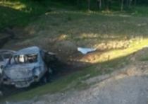 Логан улетел в кювет и загорелся на калужской трассе. Видео