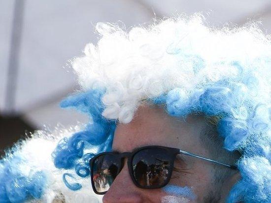 Унизивший россиянку аргентинский болельщик публично извинился
