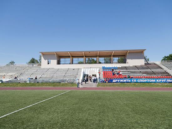 Поле есть – трибуны будут: в Кимовске доделывают стадион