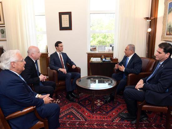 Посланники Трампа - Кушнер и Гринблатт прибыли в Иерусалим