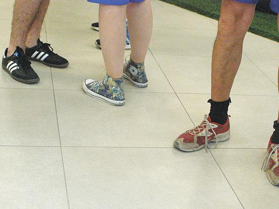 Обувной скандал на мундиале в Ростове: волонтерам не выдали кроссовки