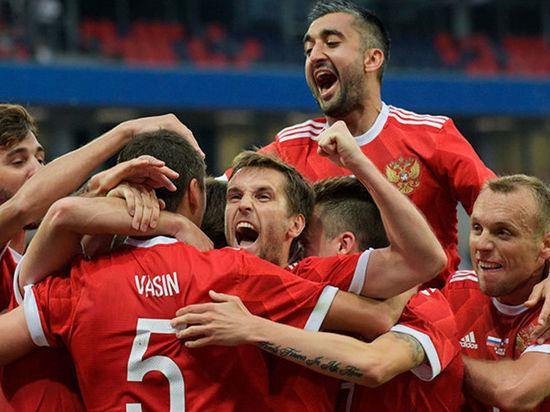Российская сборная провела тренировку на «Самара Арене» перед матчем с командой Уругвая