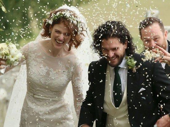 Джон Сноу женился на одичалой Игритт
