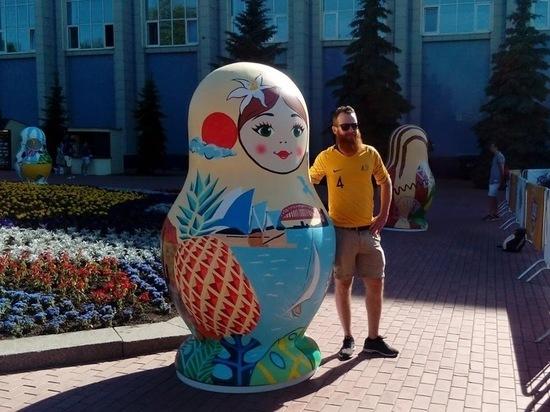 На набережной Самары появились 8 эксклюзивных матрешек к ЧМ-2018