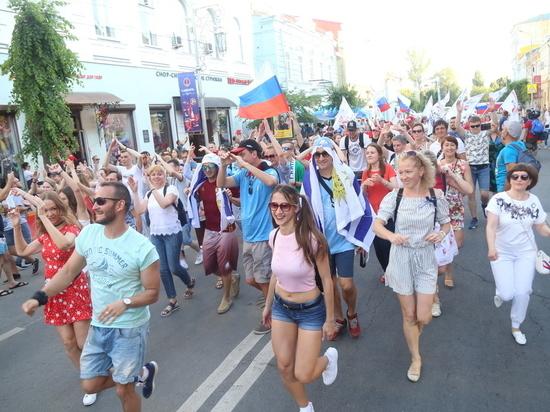 В Самаре состоялся флешмоб в поддержку российской сборной по футболу