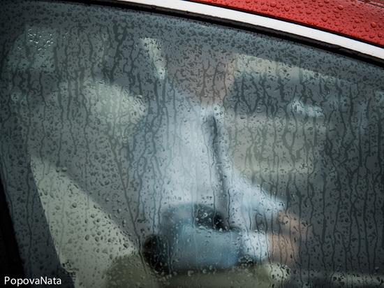 В Астрахани ищут поджигателя машины