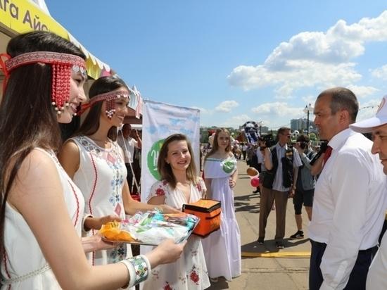 Выставка «Регионы — сотрудничество безграниц» прошла на Красной площади