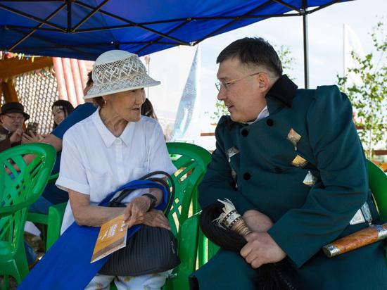 Коллектив аэропорта «Якутск» отметил Ысыах Туймаады вместе с жителями Строительного и Гагаринского округов