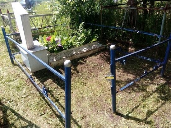 Новосибирцы возмутились действиями вандалов на кладбище в Оби