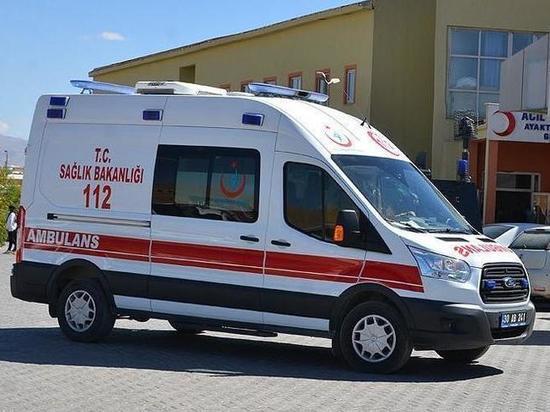 Молодого россиянина сбросили с крыши в Турции: он скончался