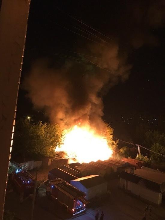 В Тамбове сгорели надворные постройки на 200 квадратных метрах