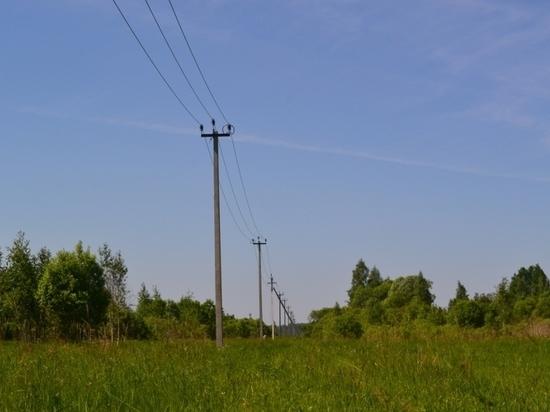 """Филиал """"Калугаэнерго"""" готовит электросети Мещовского района к осенне-зимнему периоду"""