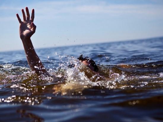 В водоемах Ульяновска чуть не утонули пьяный мужчина и школьница