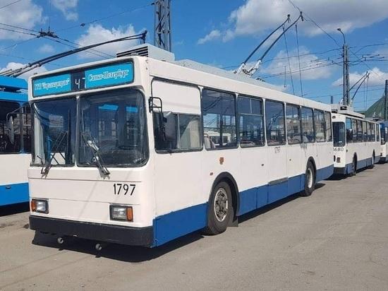 Безвозмездно: Питер будет отправлять карельской столице устаревшие троллейбусы