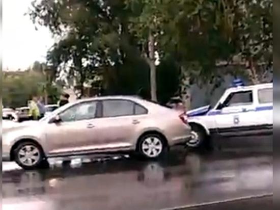 В Самаре случилось ДТП с участием полицейской машины