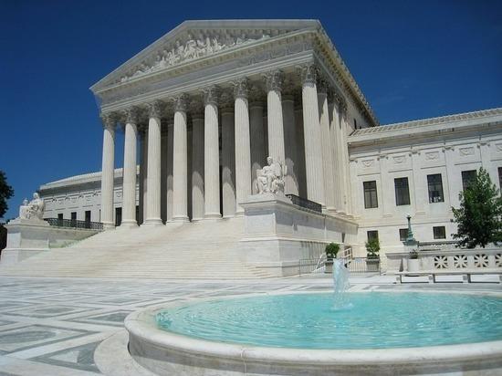 Верховный суд США поддержал скандальный миграционный указ Трампа
