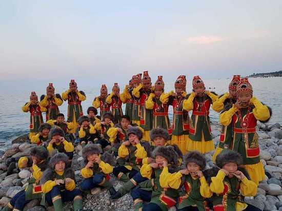 Якутские школьники зажгли в Турции