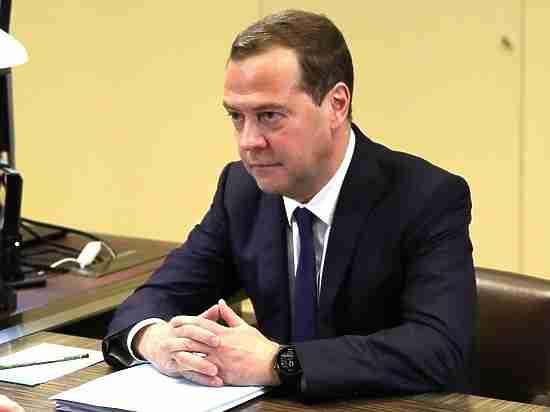 Медведев предложил продлить ответные санкции вотношении стран Запада