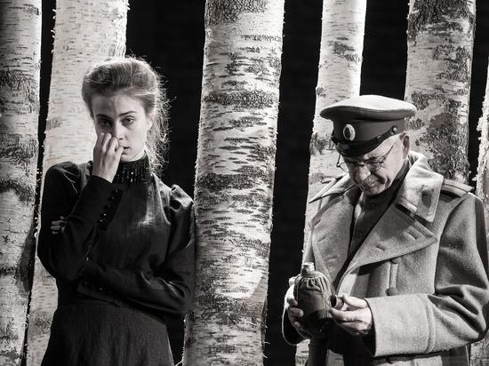 """""""Три сестры"""" в постановках Женовача и Богомолова: мы сравнили спектакли"""