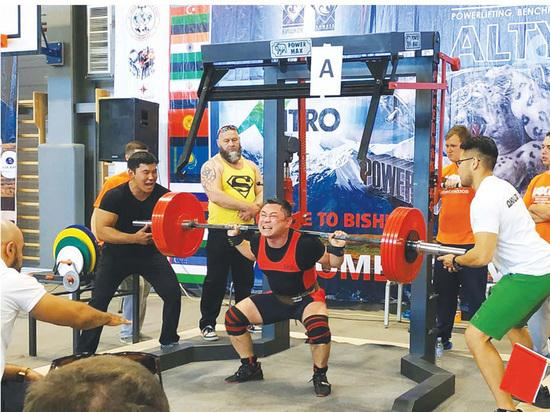 В Бишкеке прошел чемпионат ЦА  по пауэрлифтингу «Altyn Bars»