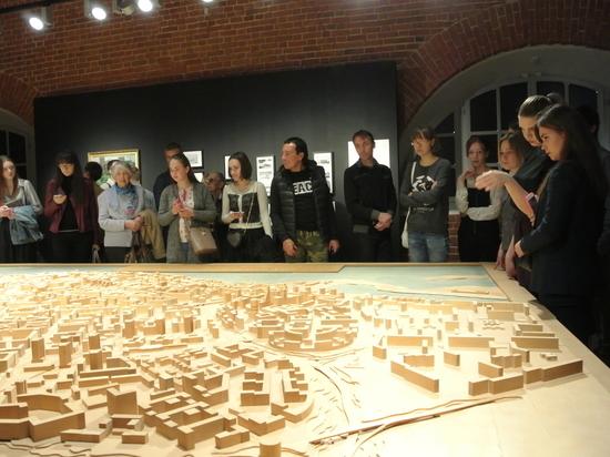 (16+) Выставка «Горький. Модернизм» открылась в нижегородском «Арсенале»