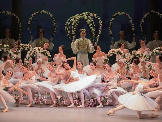 Москва пышно отметила день рождения русского балета