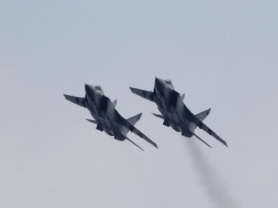 Летчики-истребители  поднялись в небо в Приморье