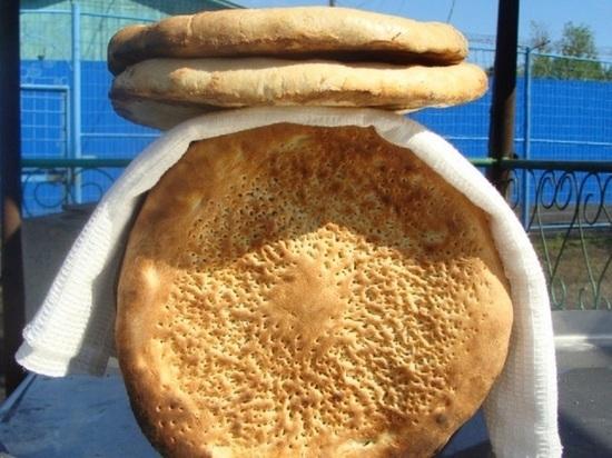 Сидельцы онежской колонии научились печь узбекские лепёшки