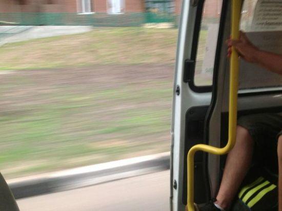 В Ульяновске женщина выпала из маршрутки