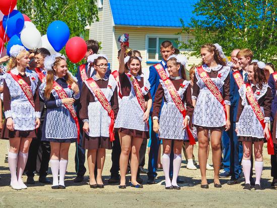В Ульяновске в этом году 337 выпускников закончили школу с медалями