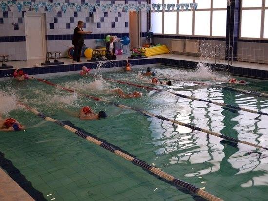 Два года за упавший потолок грозит экс-директору бассейна в Шлиссельбурге