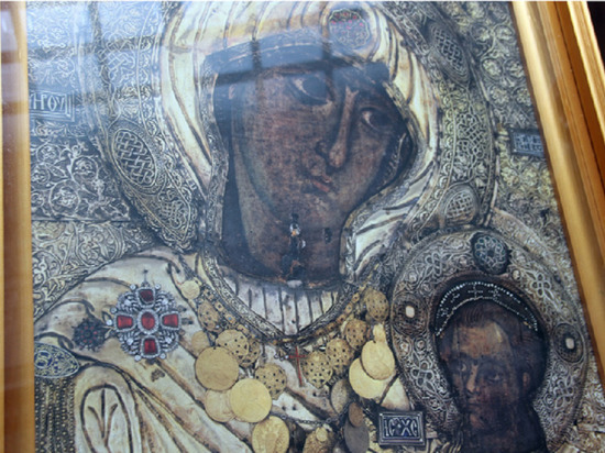 Асеевской усадьбе передали в дар копию иконы