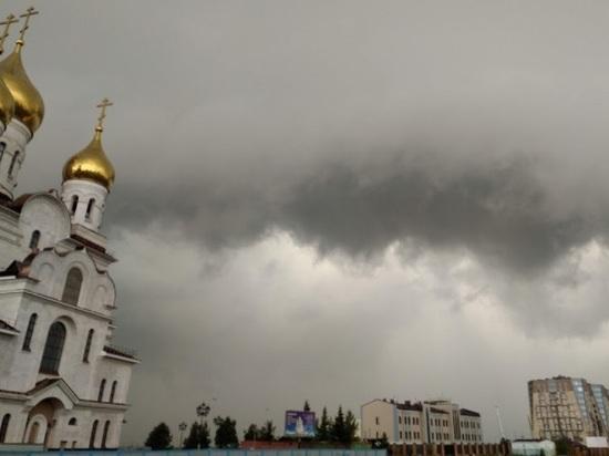 Холод и дождь: в Архангельск пришёл циклон