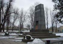 Пляски на костях: в Украине разорен музей-склеп с останками Котовского