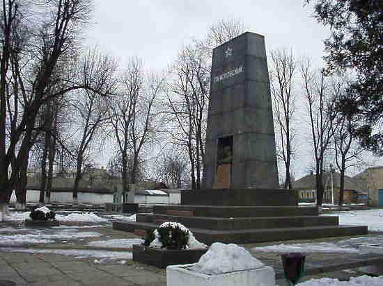 Пляски на костяÑ: в Украине разорен музей-склеп с останками Котовского