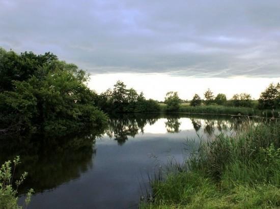 В Роспотребнадзоре рассказали, в каких водоёмах области нельзя купаться
