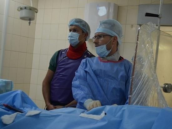 Медики окружного кардиодиспансера освоили новые методики операций на сердце